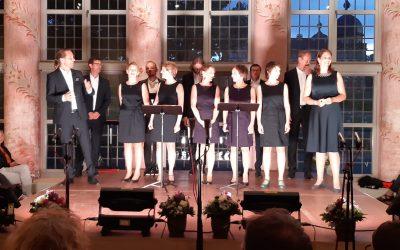 Vollbesetztes Jubiläumskonzert mit Singer Pur in Schloss Seehof